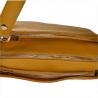 Modna skórzana listonoszka kolor musztardowy