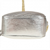 Modna skórzana listonoszka z łańcuszkiem srebrna